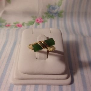 Avon Faux Jade Gold Ring Size 8